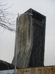 CCTVビルの火事の後